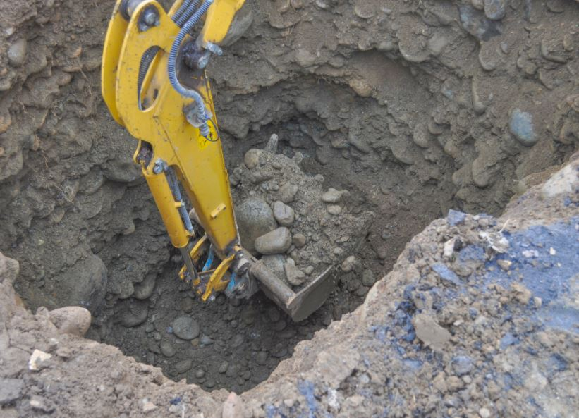 Excavation services need professionals.